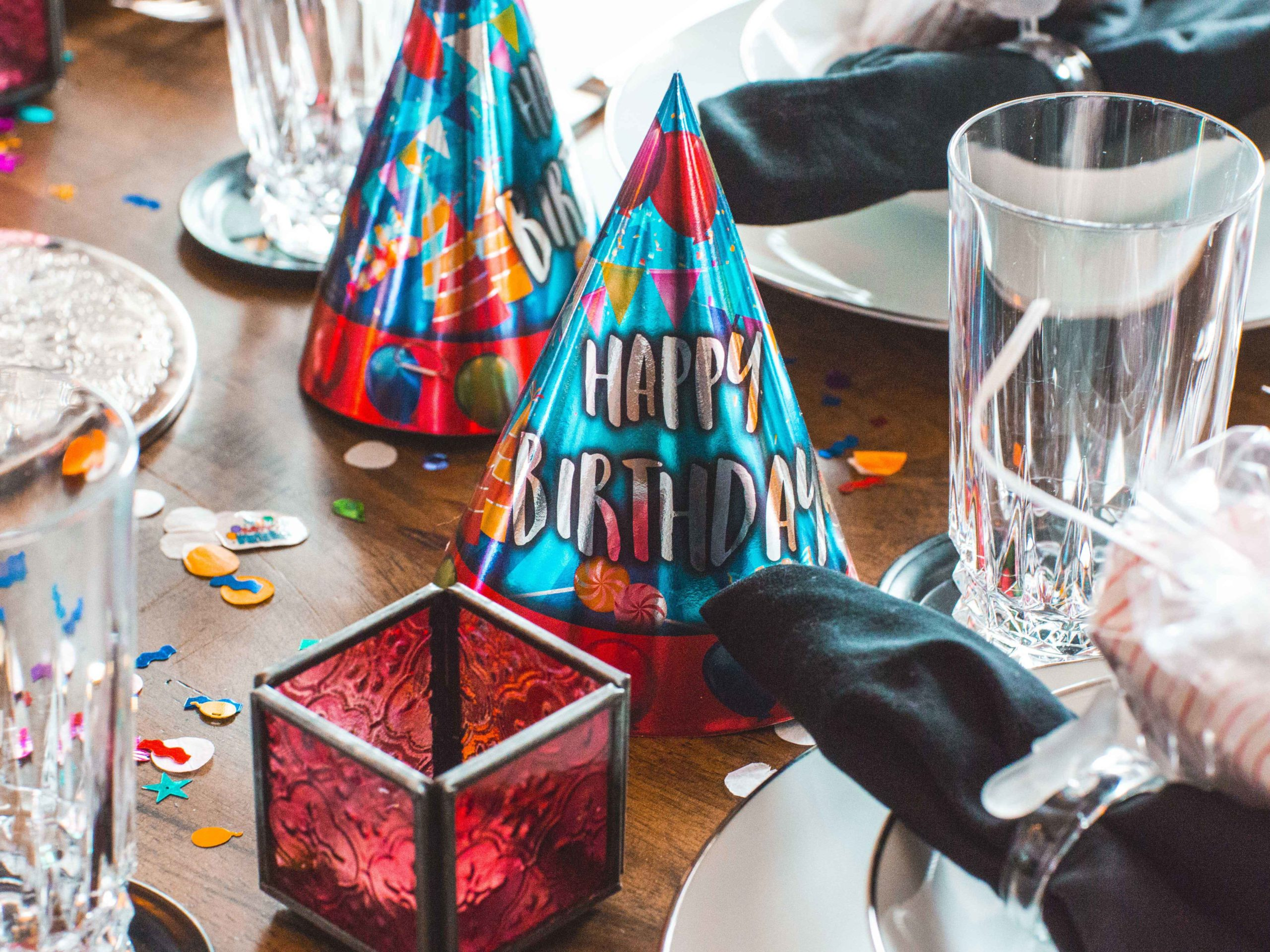 Table with birthday hats